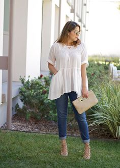 White Flowy and casual outfit with nude accessories. Lace up heels and clutch with sunnies from Quay. Cute outfit for a day out.