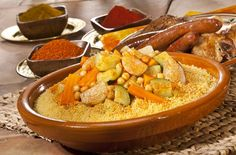 MOROCCAN FOOD It is impossible to come to Morocco without tasting Moroccan food. Moroccan cuisine is one of the most versatile and ric. Beans In Crockpot, Crockpot Recipes, Lidl, Quinoa, Cooking Pork Chops, Cooking Classes Nyc, Thermomix Desserts, Cooking Chef, Cooking Fails