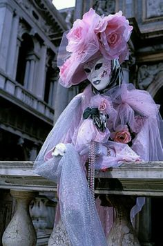 Photograph of Beauty in pink Ornamental Carnival costume, Venice, Italy photo Venetian Carnival Masks, Carnival Of Venice, Venetian Masquerade, Masquerade Ball, Venetian Costumes, Venice Carnivale, Venice Mask, Carnival Dress, Carnival Costumes