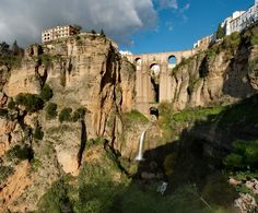 Ronda es una ciudad milenaria que es obligado visitar en Andalucía.