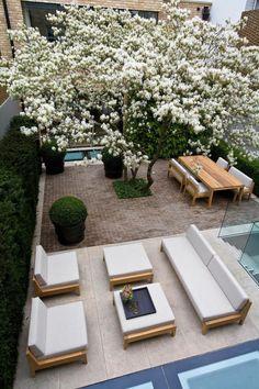 Legendary Patio Garden Furniture Ideas - Home Decor Porch Garden, Backyard Garden Design, Rooftop Garden, Backyard Landscaping, Backyard Ideas, Garden Beds, Garden Furniture, Outdoor Furniture Sets, Furniture Ideas
