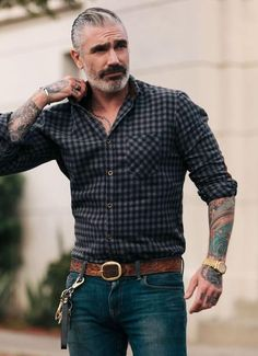 Glam up your style quotient with our men's shirts. Stylish Mens Outfits, Casual Outfits, Men Casual, Casual Look For Men, Male Outfits, Batman Outfits, Casual Suit, Rock Outfits, Hipster Outfits