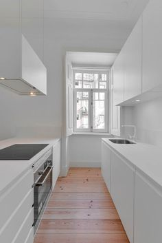 House in Mouraria by Jos Andrade Rocha, Lisbona, 2015 - Ricardo Oliveira Alves #kitchen