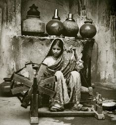 rural-indian-female-weaver-a-l-syed-525x565