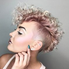 20 Bold and Daring takes the shaved pixie cut Pixie Undercut, Undercut Curly Hair, Undercut Hairstyles Women, Short Curly Hair, Twist Hairstyles, Pixie Hairstyles, Curly Hair Styles, Natural Hair Styles, Shaved Hairstyles