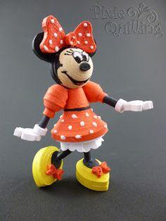 Papírvilág: quilled Minnie mouse / quilling Minnie egér Plus Quilling Images, Paper Quilling Cards, Paper Quilling Flowers, Paper Quilling Patterns, Quilled Roses, Quilled Paper Art, Quilling Dolls, Quilling Comb, Neli Quilling