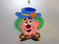 Cheerful clown decor for kids rooms: http://www.1-2-do.com/de/projekt/Clown---Faschingsdeko-fuer-die-Tuere/anleitung-zum-selber-bauen/16472/