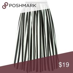 Striped Pleated Chiffon Skirt Great pleated skirt with 3 buttons down the front. Unworn, no wear/tear/stains. Forever 21 Skirts Midi