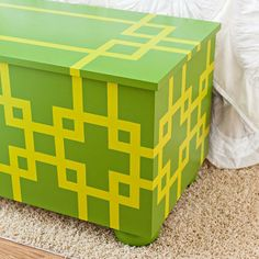 build a simple economical trunk with a seat on top and lots of clothing and