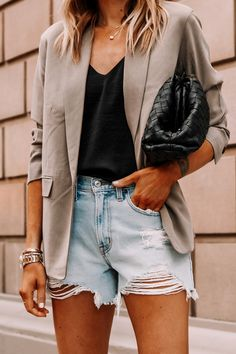 Shorts Outfits Women, Blazer Outfits, Cool Outfits, Casual Outfits, Blazer And Jeans Outfit Women, Womens Ripped Jeans, Jeans For Short Women, Simple Summer Outfits, Summer Outfits Women