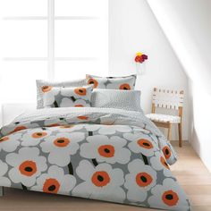 A minimalist print with maximum style, the Marimekko Utö White/Grey Sheet Set makes a lovely accent to any bed. A minimalist print with maximum style, the Marimekko Utö White/Grey Sheet Set makes a lovely accent to any bed. Orange Bedding, Grey Bedding, Luxury Bedding, Linen Bedding, Bed Linens, King Duvet Set, Comforter Sets, Queen Duvet, Marimekko Bedding