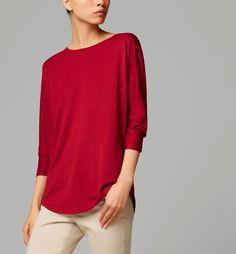 CAMISETA CORTE ESPALDA - Ver todo - Camisetas - WOMEN - España (Excepto Canarias)/Spain (except the Canary Islands)