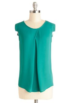 Jetsetter's Jewel Top in Emerald. Let the delicately draped folds and emerald hue of this silky, short-sleeved top accompany you on your next great journey! Vintage Shorts, Blouse Patterns, Business Outfits, Green Tops, Modcloth, Work Wardrobe, How To Look Pretty, Daily Fashion, Blouses For Women