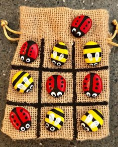 These are hand-painted Ladybug and Bumblebee portable Tic-Toe-Toe rock games. Stone Crafts, Rock Crafts, Arts And Crafts, Diy Crafts, Pebble Painting, Pebble Art, Stone Painting, Rock Games, Art For Kids