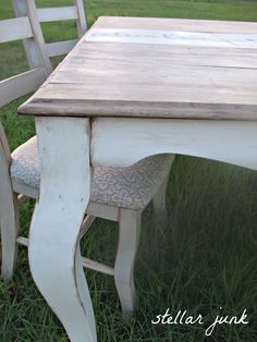 no more waxing after chalk paint - use this technique. Wipe on, wipe off, no buffing. Hallelujah.