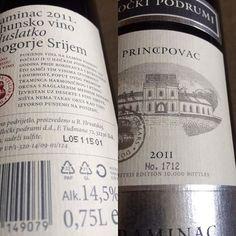 Heut gibts ein wahres Schätzchen aus unseren Weinvorräten😍😍😍 ein halbsüsser Traminer von #ilockipodrum #ilok in #kroatien gekauft direkt vor Ort in der #vinothek Dieser Wein ist eine Limited Edition, begrenzt auf 10.000 Stück, ich freu mich, ich hoffe unsere Gäste haben auch Freude damit! #traminer #traminac #wine #vino #croatia #hrvatska #vrhunskovino #ausgezeichnet #vinogorjesrijem  #2011 #14,5 #poluslatko #wineaddict #winery #bottle #winebottle