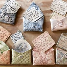 These are so charming! Can you imagine what message you could stamp on the clay? So stinkin amazing!^ These are so charming! Can you imagine what message you could stamp on the clay? So stinkin amazing! Hand Built Pottery, Slab Pottery, Ceramic Pottery, Ceramics Projects, Clay Projects, Clay Crafts For Kids, Sculptures Céramiques, Sculpture Clay, Clay Bowl