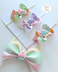 Paraaaa everything and come and see our newest collection that has just arrived ! Hair Ribbons, Ribbon Bows, Ribbon Art, Making Hair Bows, Diy Hair Bows, Baby Bows, Baby Headbands, Dance Bows, Baby Girl Hair Accessories