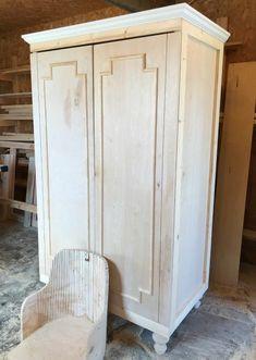 How to Build a DIY Wardrobe Armoire Storage Cabinet with Shelves - Diy Möbel Wardrobe Storage, Wardrobe Closet, Armoire Wardrobe, Bedroom Wardrobe, Bedroom Storage, Wardrobe Ideas, Amoire Storage, Diy Bedroom, Diy Storage Cabinets