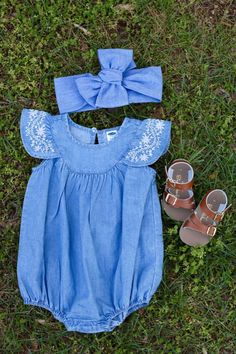 Spring Baby FashionSpring Baby Fashion old navy baby girl outfit flatly with bow. saltwater sandals Spring Baby FashionSpring Baby Fashion old navy baby girl outfit flatly with bow. Marine Baby, Baby Girl Fashion, Toddler Fashion, Kids Fashion, Fashion Spring, Fashion Outfits, Old Navy Baby Girl, My Baby Girl, Baby Baby