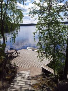 Summer ❤️ Lakeside Living, Lakeside Cottage, Lake Cottage, Cottage Homes, Swedish Cottage, Cottage Style, Beautiful Homes, Beautiful Places, Lake Dock
