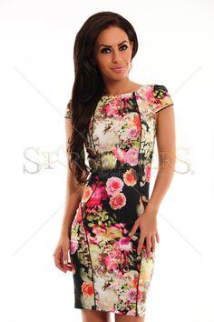 Iti prezentam o rochie cu imprimeuri florale, usoara, moderna care se preteaza atat pentru ocazii mai speciale cat si pentru o tinuta office. Lungime: 71cm de la subrat pana jos.