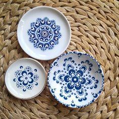 Dot Art Painting, Pottery Painting, Stone Painting, Pottery Designs, Mug Designs, Lang Weekend, Paper Mache Bowls, Mandala Art Lesson, Mandala Painted Rocks