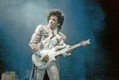 Prince's Death: One Year Later, Unsolved Mysteries - The New York Times