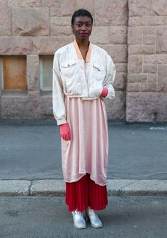 Long layers, shades of pink, apricot, warm reds. Ama - Hel Looks - Street Style from Helsinki