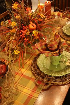 Fall tablescape- Beautiful, cozy, inviting 2009 Sweet Something Design Fall Table Settings, Thanksgiving Table Settings, Beautiful Table Settings, Thanksgiving Decorations, Table Decorations, Thanksgiving Tablescapes, Place Settings, Centerpieces, Deco Table