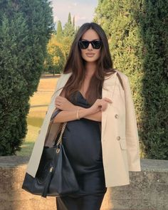 Casual Maternity Outfits, Stylish Maternity, Pregnancy Outfits, Pregnancy Photos, Maternity Fashion, Maternity Dresses, Baby Bump Style, Luxury Lifestyle Fashion, Paris Outfits