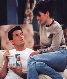 Matthew Perry and Courtney Cox; Monica and Chandler, Friends Friends Tv Show, Serie Friends, Friends Moments, I Love My Friends, Friends Forever, Monica Friends, Chandler Friends, Joey Friends, Stupid Friends