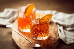 How to make a whisky cocktail - Drinking whisky does not have to be limited to its traditional form. Here we suggest a recipe that promisses to plase even those who are not big whisky fans.  The post  How to make a whisky cocktail  appeared first on  WhiskyFlavour .