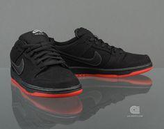 Levi's x Nike SB Dunk Low Pro QS   Black   (i have these!!!!)