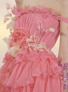 wink-smile-pout:    Christian Lacroix Haute Couture Spring 2007 Details