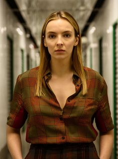 Villanelle in plaid. Wow fk me up Jodie Comer Pretty People, Beautiful People, Steve Pemberton, Best Television Series, Jodie Comer, Female Characters, Girl Crushes, Lgbt, Actors & Actresses