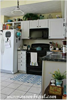 Completely Change The Look Of Your Kitchen With A Little Paint :: Hometalk