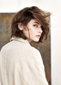 awesome Элегантная косая челка на средние волосы (50 фото) — Лучшие варианты стрижек Читай больше http://avrorra.com/kosaja-chelka-foto-na-srednie-volosy/