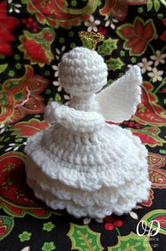 The 4th Angel in this series. Joy has a more detailed dress design with 3 layers of ruffles. Yarn: Red Heart Super Saver Yarn. Hook: 4 mm