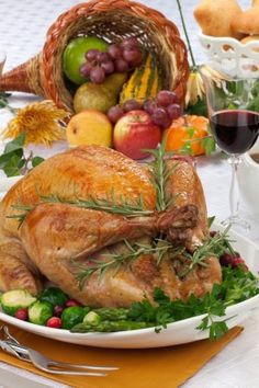 Peruse these fantastic pinterest boards for wonderful ideas on Thanksgiving table decor.