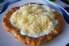 Mexican Cheese, Hungarian Recipes, Hungarian Food, Polish Recipes, Creme Fraiche, Party Snacks, Bon Appetit, Street Food, Finger Foods