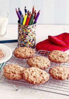 Rapeat riisimuro-kaurakeksit ovat juniorileipurin oma bravuuri. Krispie Treats, Rice Krispies, No Bake Cookies, Baking Cookies, Croissants, Tart, Cereal, Food And Drink, Breakfast