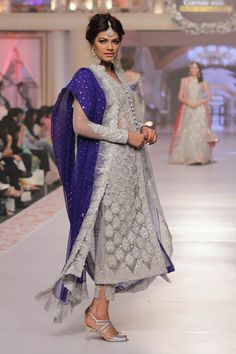 Zainab_Chottani_Collection_Telenor_Bridal_Couture_Week_2015 just loved this awesome silver blue combination