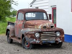 Rusty Old 1948? Ford Pickup Truck