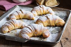 Ricotta, Croissant Brioche, Brunch, Great Desserts, Sweet Bread, Fett, No Bake Cake, Italian Recipes, Cake Recipes