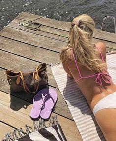 Summer Girls, Summer Beach, Summer Time, Hot Girls, Snow In Summer, Summer Aesthetic, Summer Feeling, Summer Bikinis, Beach Bum