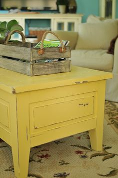 perfect beach cottage table in sunny yellow!