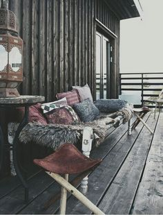 imagine sitting here while drinking coffee..oh and the view! facing the sea,so peaceful. #DeineInspiration