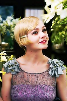 Carey Mulligan plays Daisy Buchanan in 'The Great Gatsby'! Hair n dress Vintage Glam, Vintage Makeup, Mode Vintage, Vintage Short, Dress Vintage, Carey Mulligan, The Great Gatsby 2013, Great Gatsby Fashion, Great Gatsby Hair
