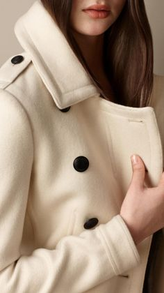 Burberry Wool Cashmere Pea Coat in Beige (natural white)